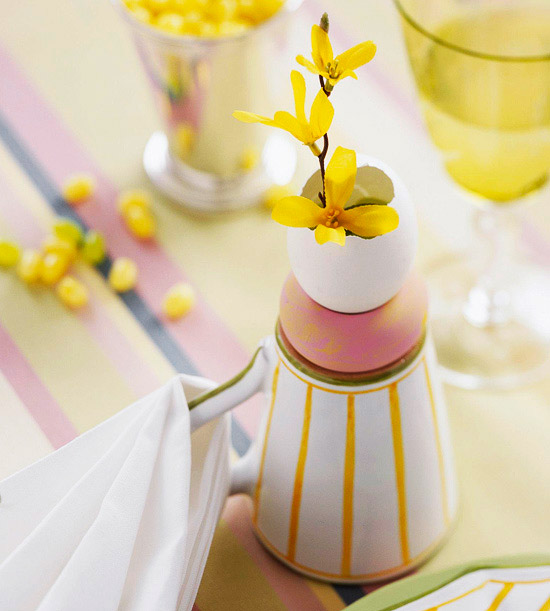 Egg and Flower Place Setting