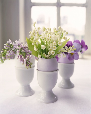 Flower Arrangements in Eggshells