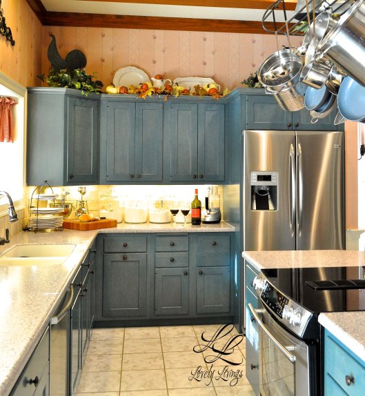 11 Lovely Restoring Kitchen Cabinets: Splashes Of Fall Above The Cabinets