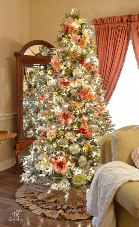 Lovely Floral Christmas Tree